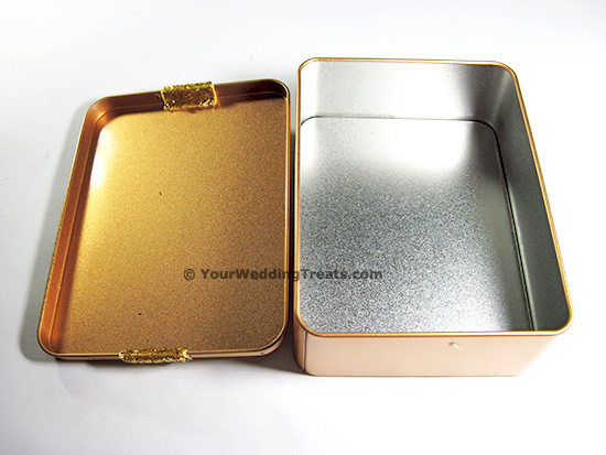 aluminum gift box with cosmetic jewelry