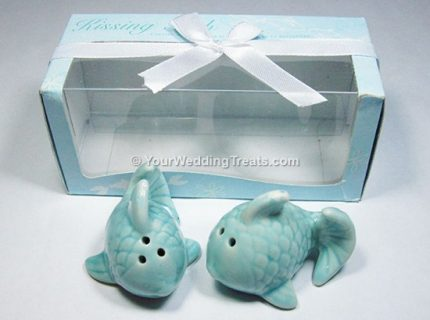 kissing fish salt pepper shakers