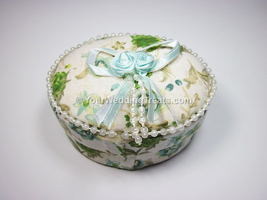 oval white jewelry favor box