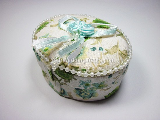 oval shaped white jewelry favor box